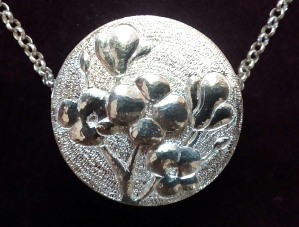 Zilveren canulesieraad met bloemen voor Provoxfilter