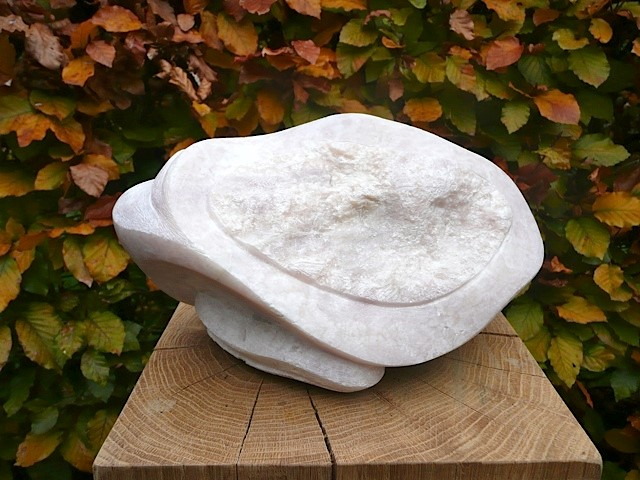Sculptuur. Titel: Steengoed